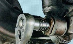 Замена задних амортизаторов мазда 6